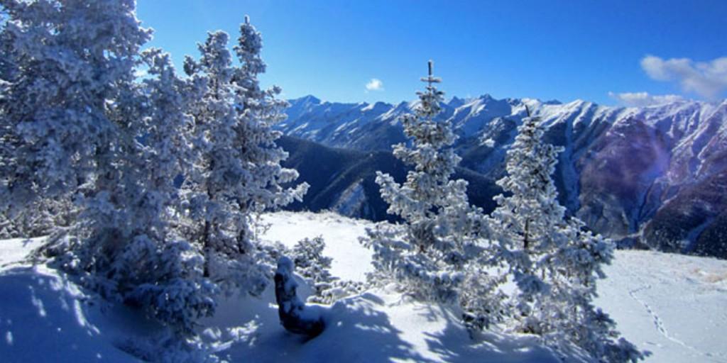 Aspen Meadows Resort area is a winter snow haven.