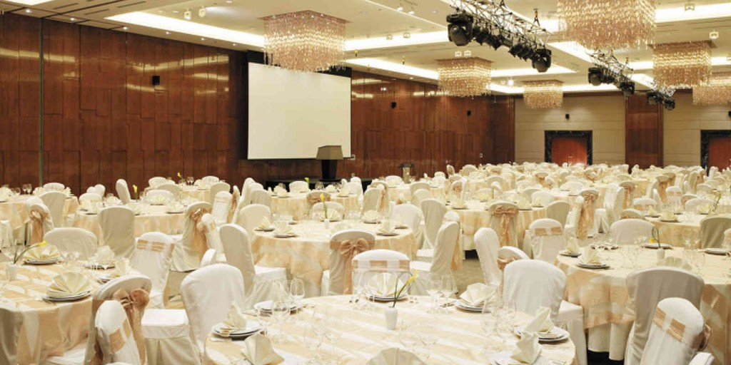 Lotte Hotel Moscow's sub-dividable Crystal Ballroom.