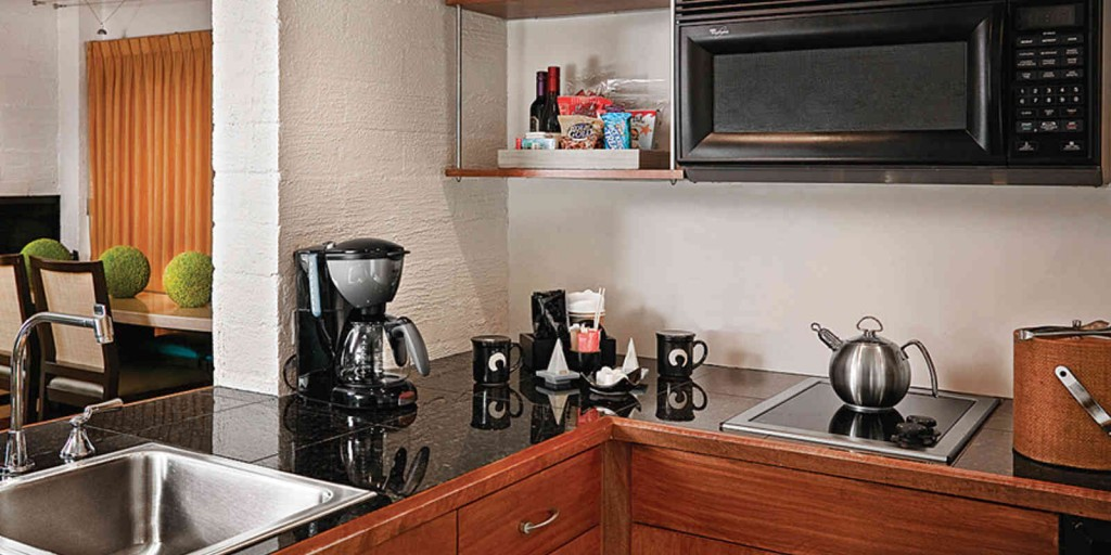Prepare meals at leisure in your kitchenette.